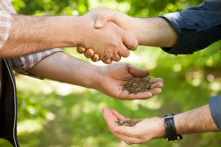 514-agreement-handshake-farmer-p-fatihhoca-istock-000024157560-450x299-jpg